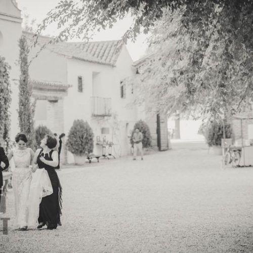 llegada de los novios foto de boda