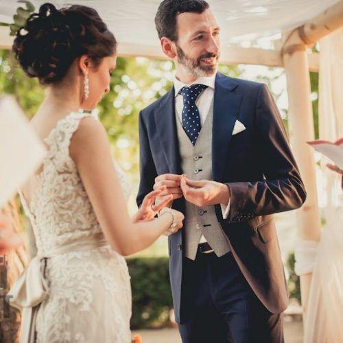 foto boda civil entrega de alianzas