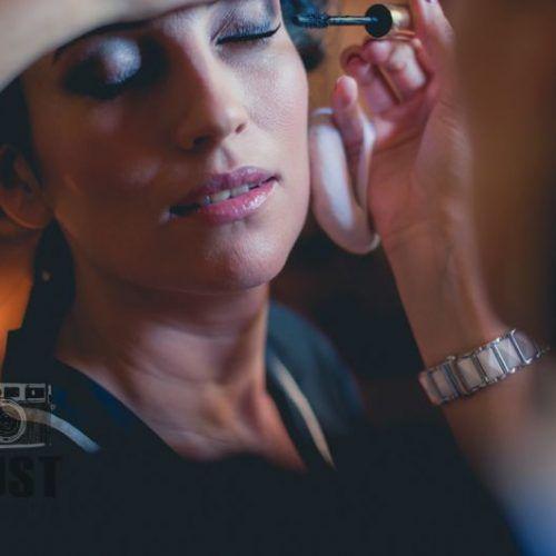 preparándose novia maquillaje