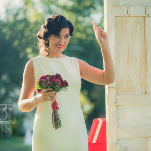 foto de novia antes de tirar el ramo